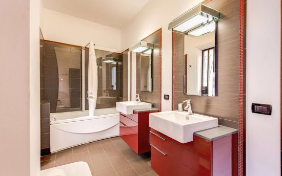 Confortable Bathroom with two Functional Sinks | Accomodation near Piazza Navona, Pantheon and Saint Peter