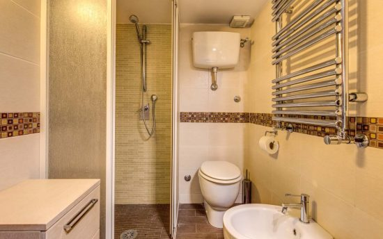 Bathroom Accessories with Excellent Heating | Apartments in Rome, Italy