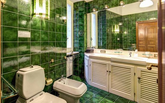Apartment in rome center. Bathroom Sinks with Accessories | Apartments in Center of Rome, Italy