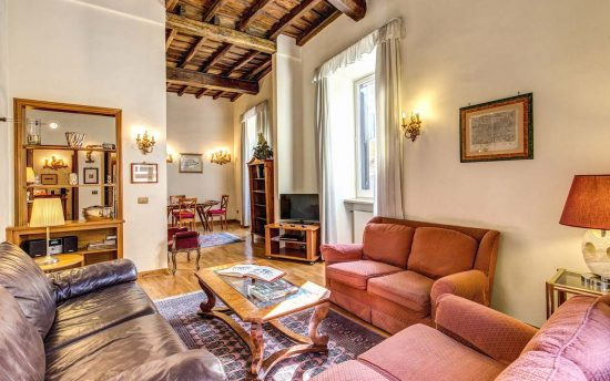 Apartment in rome center. Elegant living rooms with three sofa | Rome Luxury Apartment near Pantheon